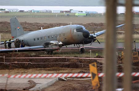 11925 SAAF 6877 Accident Mthatha Airport 6 November 2012-02