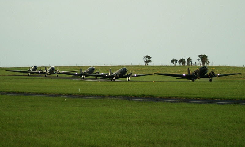 DC-3 75 anniversary 04c  5 Daks In A Row Vaughan